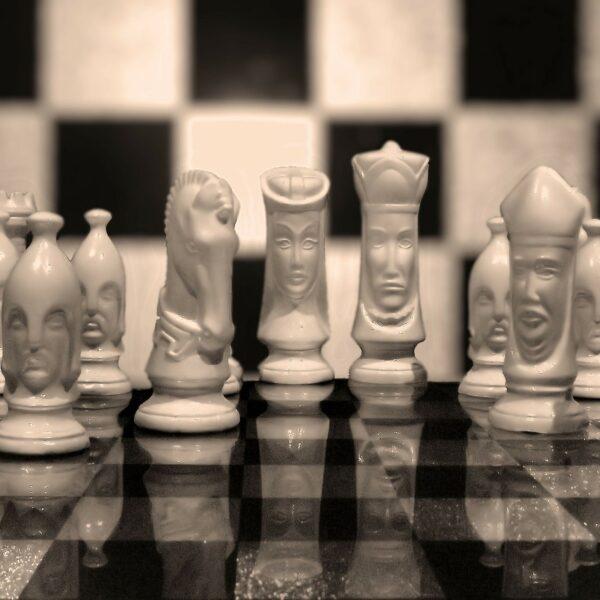 Pezzi scacchi antichi